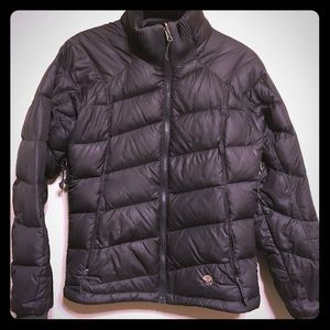 XS Mountain Hardwear Black Puffer jacket